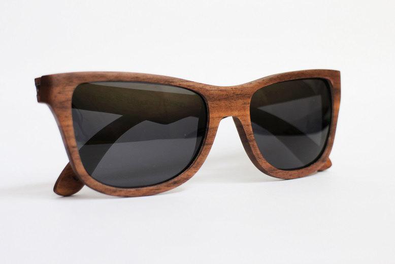 Occhiali da sole in legno di noce keblog shop for Occhiali da sole montatura in legno