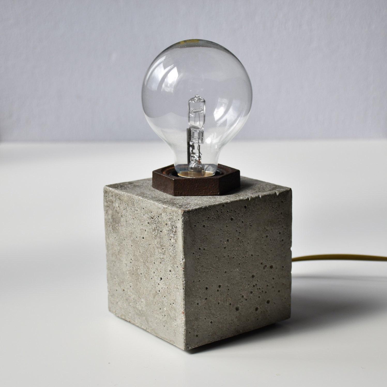 Lampada da tavolo in cemento - Keblog Shop